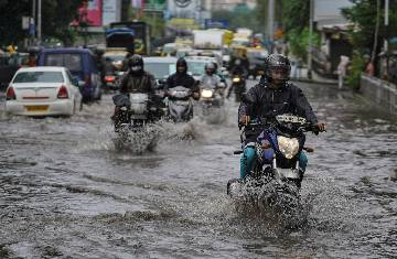 Uncertainty over Mumbai's rain, IMD states unlikely to get heavy rain